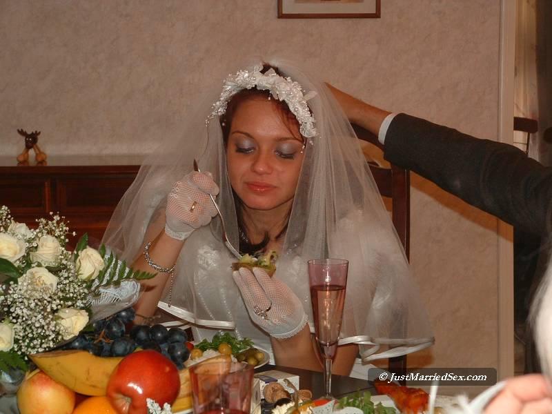 Bride cum on Threesome cum